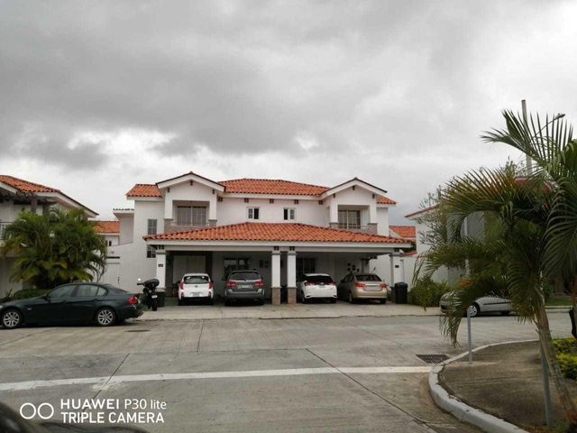 Casa Panama>Panama>Versalles - Venta:330.000 US Dollar - codigo: 20-10357