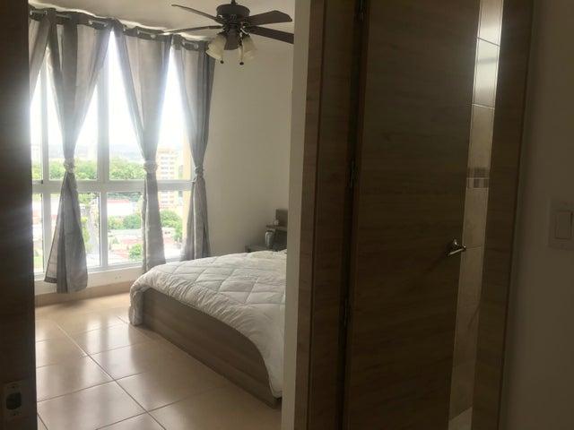 Apartamento Panama>Panama>San Francisco - Alquiler:1.400 US Dollar - codigo: 20-6556
