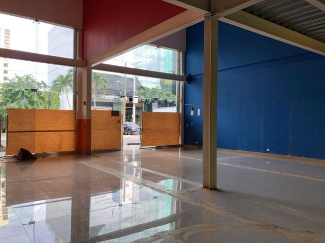 Local Comercial Panama>Panama>San Francisco - Alquiler:5.200 US Dollar - codigo: 20-12516