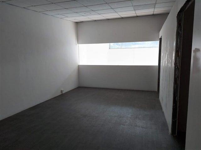 Local Comercial Panama>Arraijan>Vista Alegre - Alquiler:900 US Dollar - codigo: 20-12553