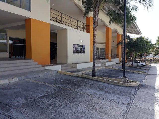 Local Comercial Panama>Chame>Coronado - Venta:368.000 US Dollar - codigo: 21-393