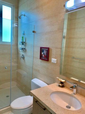 Apartamento Cocle>Rio Hato>Playa Blanca - Venta:949.000 US Dollar - codigo: 21-524