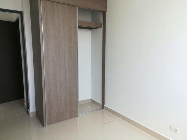 Apartamento Panama>Panama>Condado del Rey - Venta:160.000 US Dollar - codigo: 21-628