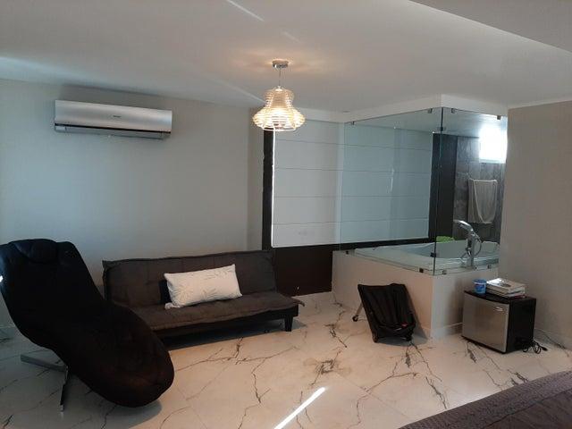 Apartamento Panama>Panama>San Francisco - Venta:465.000 US Dollar - codigo: 21-941