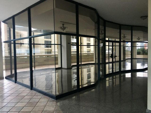 Apartamento Panama>Panama>Obarrio - Venta:265.000 US Dollar - codigo: 21-1827