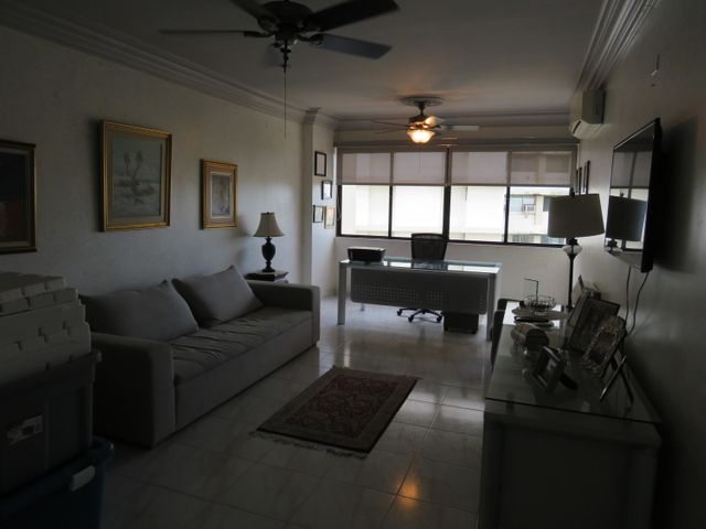 Apartamento Panama>Panama>La Cresta - Venta:635.000 US Dollar - codigo: 21-2118