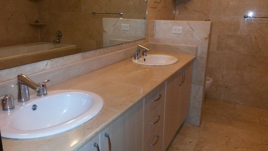Apartamento Panama>Panama>Bellavista - Alquiler:2.800 US Dollar - codigo: 21-2186