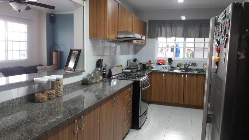 Casa Panama>Panama>Brisas Del Golf - Venta:495.000 US Dollar - codigo: 21-2441