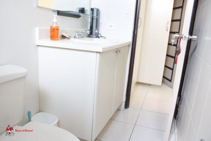 Apartamento Panama>Panama>Obarrio - Alquiler:1.700 US Dollar - codigo: 21-2473