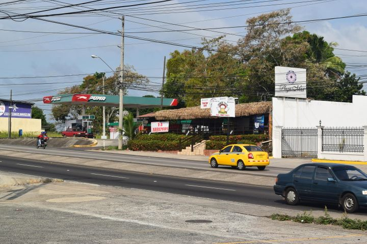 Local Comercial Panama>Arraijan>Vista Alegre - Alquiler:1.350 US Dollar - codigo: 21-2700