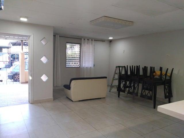 Casa Panama>Panama>Parque Lefevre - Alquiler:850 US Dollar - codigo: 21-2957
