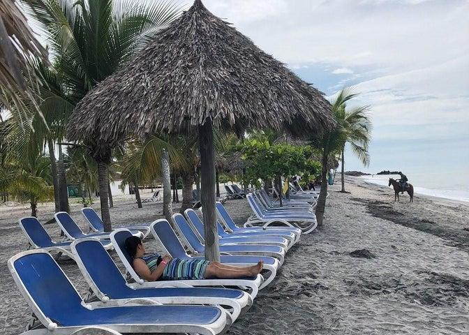Apartamento Cocle>Rio Hato>Playa Blanca - Venta:180.000 US Dollar - codigo: 21-3311