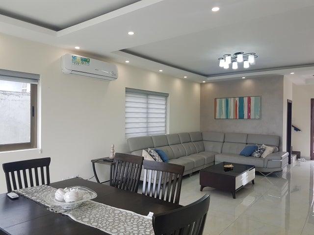 Casa Panama>Panama>Brisas Del Golf - Venta:468.000 US Dollar - codigo: 21-4208