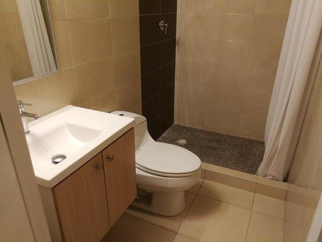 Apartamento Panama>Panama>Versalles - Alquiler:850 US Dollar - codigo: 21-6069