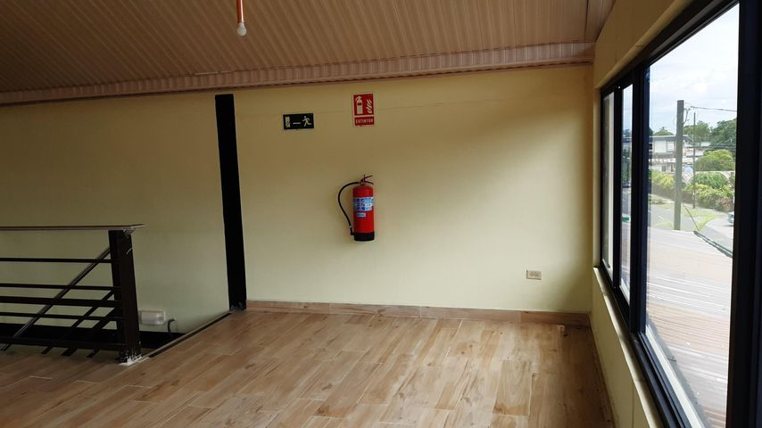 Local Comercial Chiriqui>Bugaba>La Concepciona - Alquiler:1.100 US Dollar - codigo: 21-6080