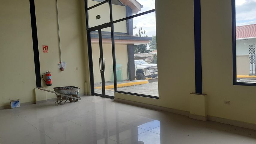 Local Comercial Chiriqui>Bugaba>La Concepciona - Alquiler:850 US Dollar - codigo: 21-6082
