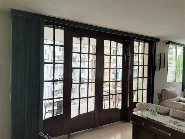 Apartamento Panama>Panama>El Cangrejo - Venta:250.000 US Dollar - codigo: 21-6053