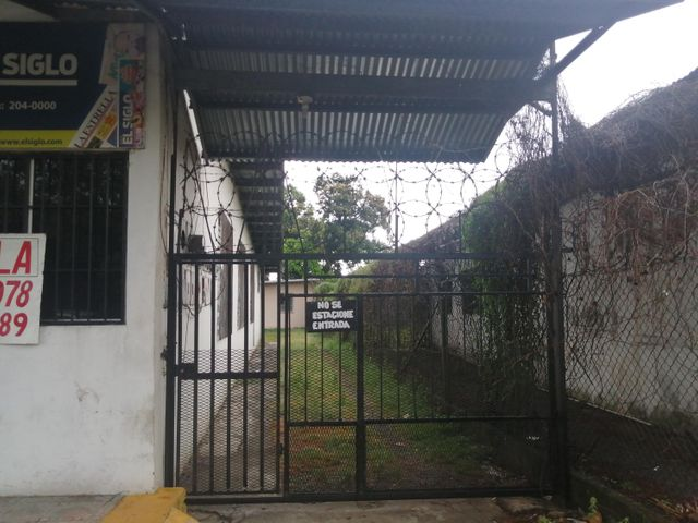 Local Comercial Chiriqui>David>David - Alquiler:550 US Dollar - codigo: 21-6339