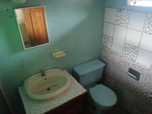 Local Comercial Chiriqui>David>David - Alquiler:600 US Dollar - codigo: 21-6341