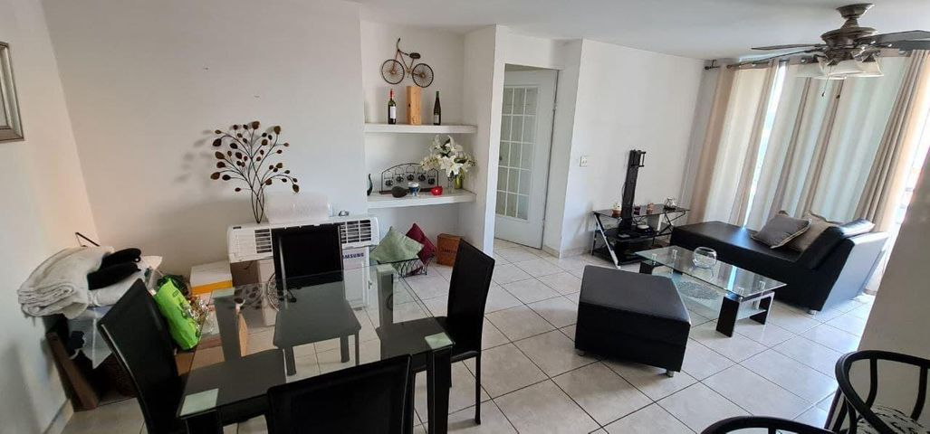 Apartamento Panama>Panama>Carrasquilla - Alquiler:800 US Dollar - codigo: 21-7016