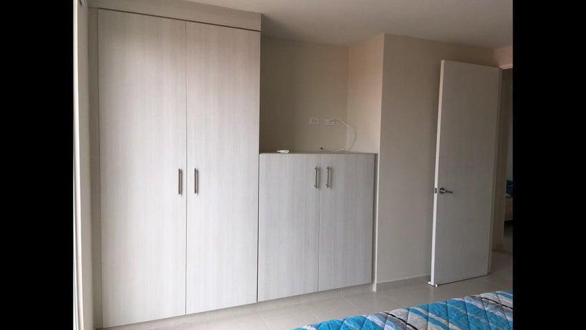Apartamento Panama>Panama>Versalles - Alquiler:800 US Dollar - codigo: 21-7629