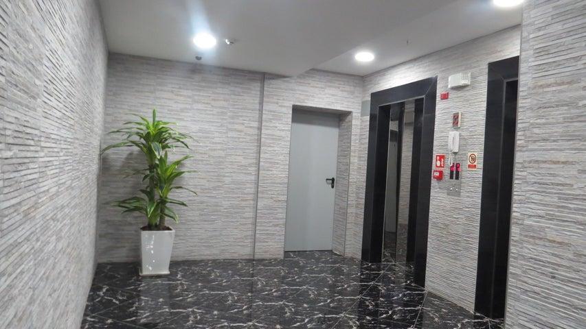 Apartamento Panama>Panama>El Cangrejo - Venta:249.000 US Dollar - codigo: 21-8275