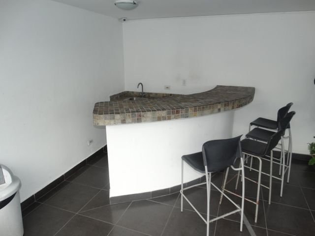 Apartamento Panama>Panama>El Cangrejo - Venta:240.000 US Dollar - codigo: 21-8589