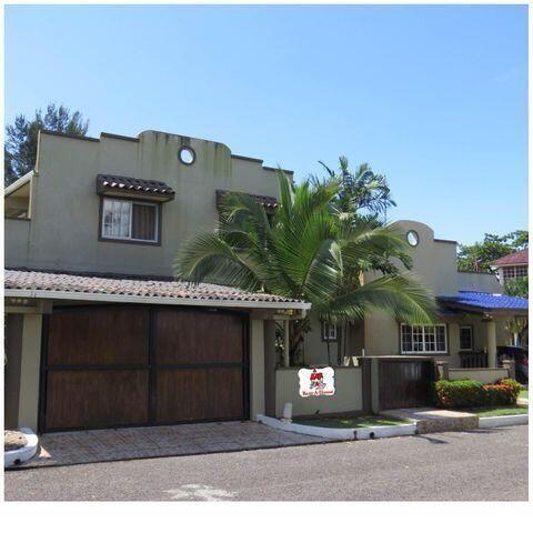 Casa Colon>Portobelo>Garote - Venta:415.000 US Dollar - codigo: 21-9035