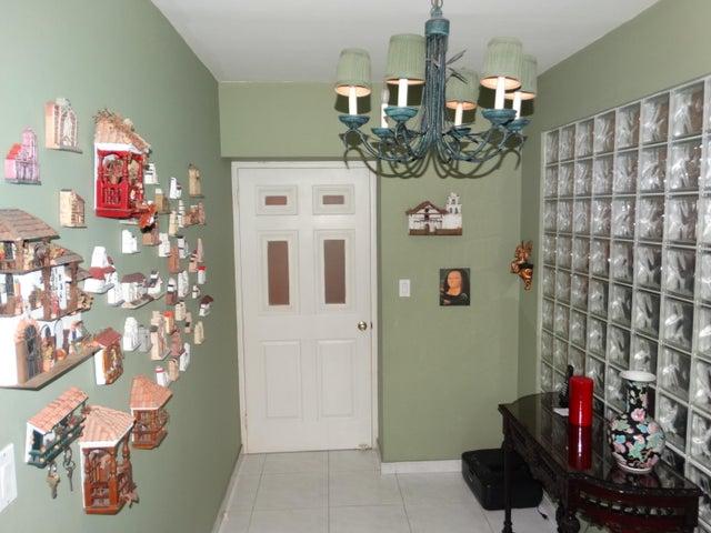 Apartamento Panama>Panama>Avenida Balboa - Venta:700.000 US Dollar - codigo: 21-9640
