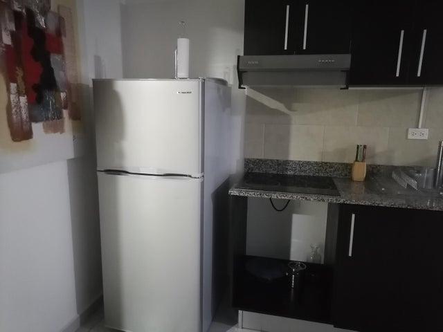 Apartamento Panama>Panama>Avenida Balboa - Alquiler:800 US Dollar - codigo: 21-9646