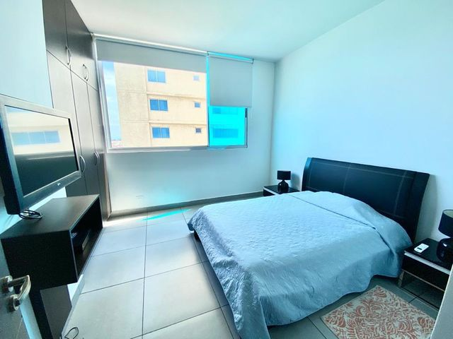 Apartamento Panama>Panama>Avenida Balboa - Alquiler:1.300 US Dollar - codigo: 21-9797