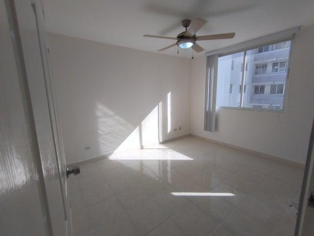 Apartamento Panama>Panama>Las Loma - Alquiler:700 US Dollar - codigo: 21-9747