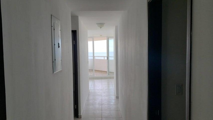 Apartamento Panama>Panama>Avenida Balboa - Alquiler:950 US Dollar - codigo: 21-10051