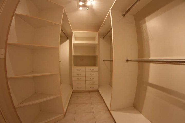 Apartamento Panama>Panama>Obarrio - Venta:250.000 US Dollar - codigo: 21-10631