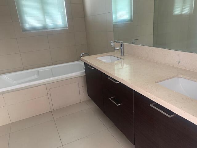 Apartamento Panama>Panama>Punta Pacifica - Alquiler:1.400 US Dollar - codigo: 21-11090