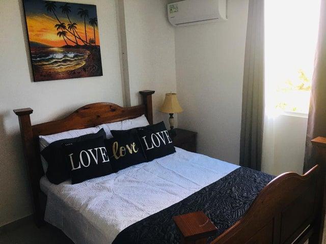 Apartamento Panama>San Carlos>San Carlos - Alquiler:650 US Dollar - codigo: 21-11117