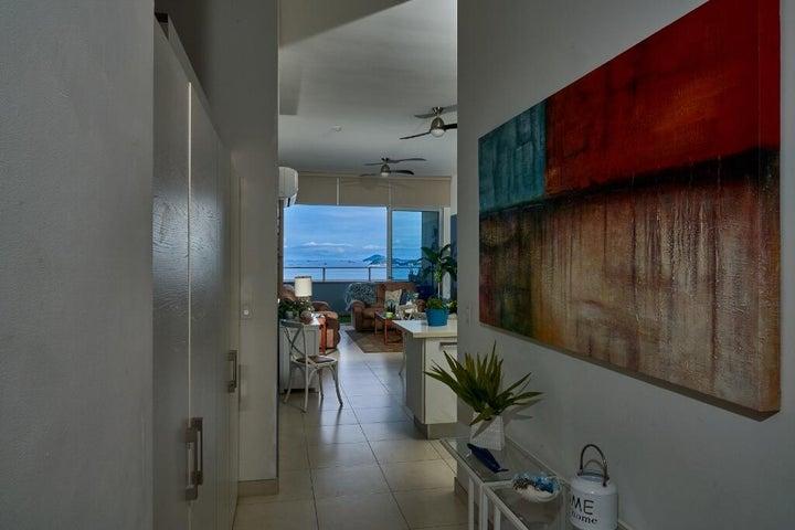 Apartamento Panama>Panama>Avenida Balboa - Venta:350.000 US Dollar - codigo: 21-11132