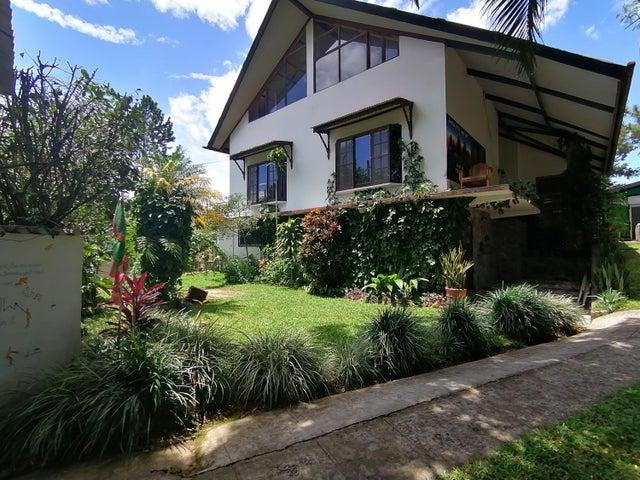 Casa Chiriqui>Boquete>Alto Boquete - Venta:325.000 US Dollar - codigo: 21-12270