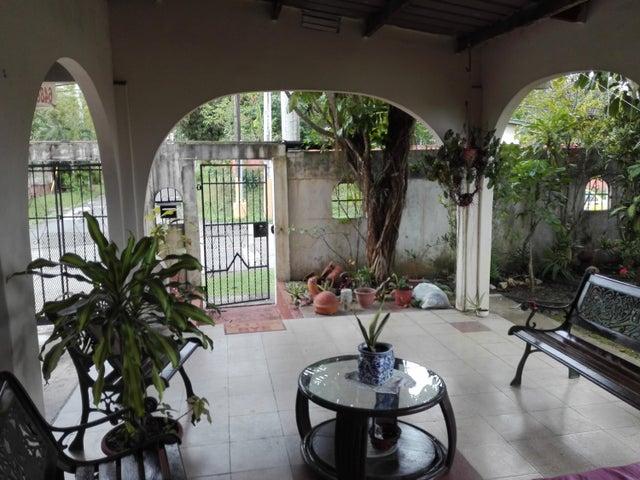 Casa Panama>Panama>Las Cumbres - Venta:180.000 US Dollar - codigo: 22-1766