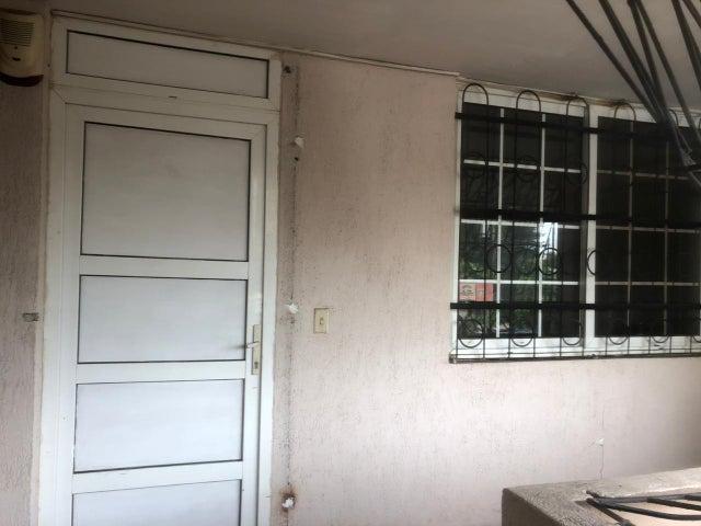Apartamento Panama>Panama>El Carmen - Venta:118.000 US Dollar - codigo: 22-2072