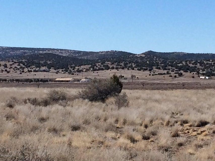 1255 E Oxbow Circle Paulden, AZ 86334 - MLS #: 992850