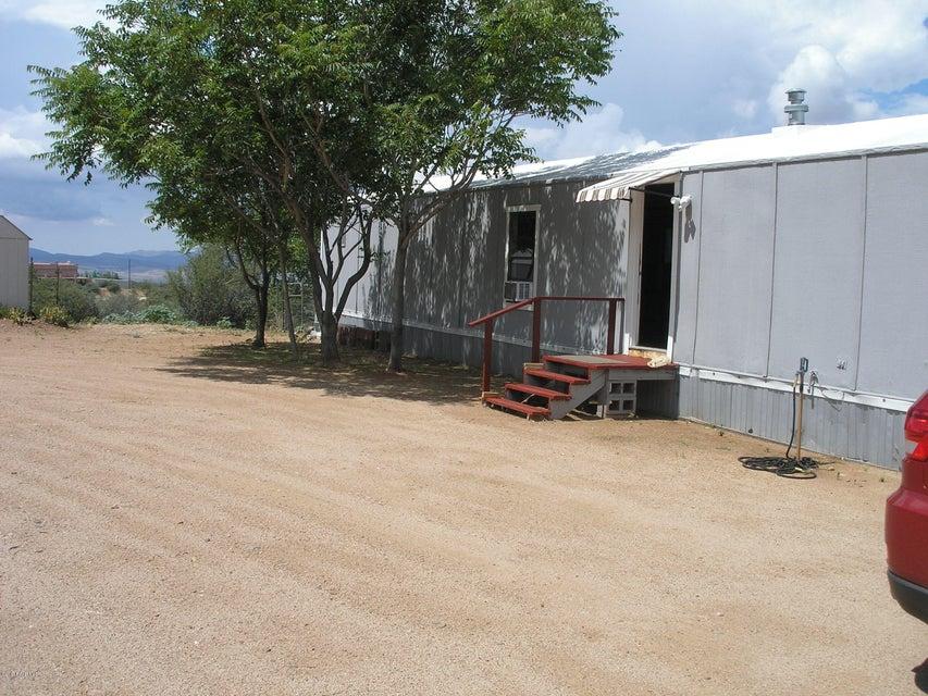 7760 S Chester Drive, Wilhoit, AZ 86332