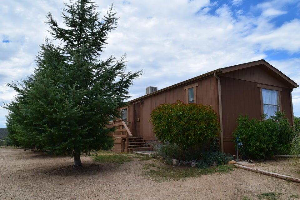6670 S Windmill Road, Skull Valley, AZ 86338