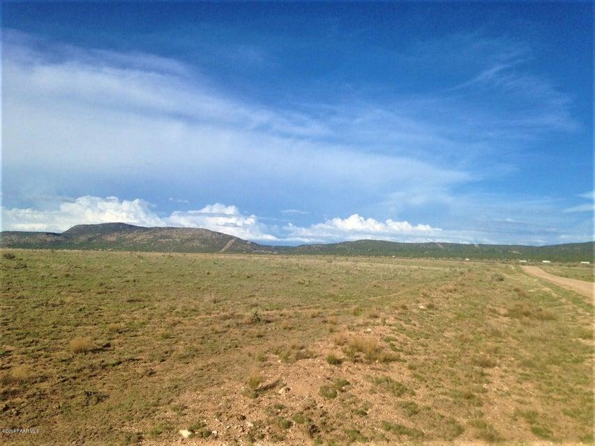 1443 Sierra Verde Ranch Seligman, AZ 86337 - MLS #: 1014032