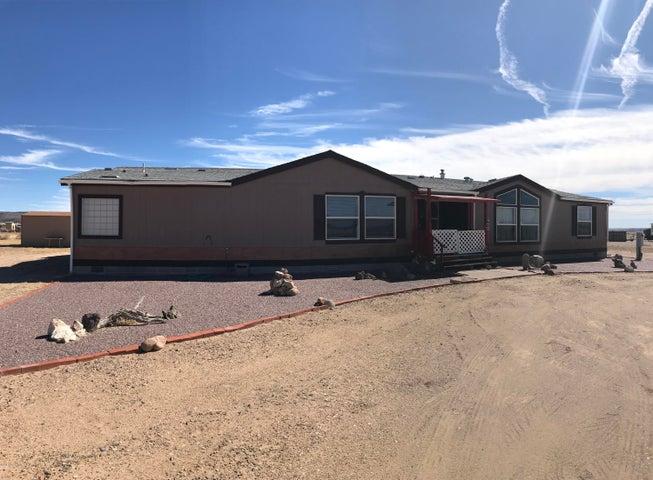 26925 N Kitty Hawk Lane, Paulden, AZ 86334