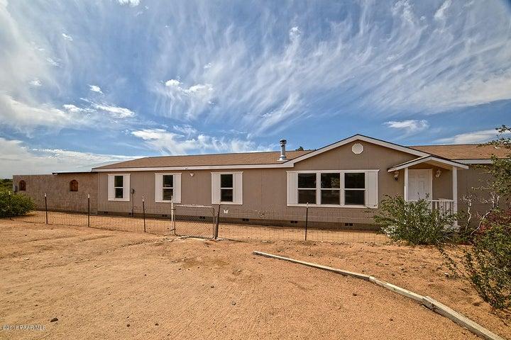 1550 N Sitting Bull Drive, Dewey-Humboldt, AZ 86327