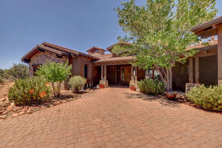Custom built 2786 square foot, 3 bedroom, 4 bath home in Talking Rock Ranch