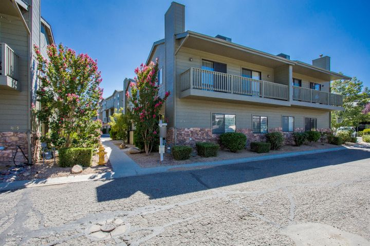 Gated, Secure Neighborhood close to everything in Prescott!