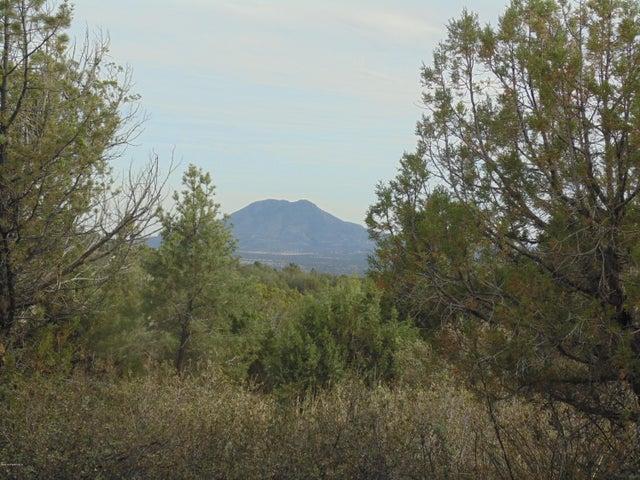 820` Sierra Verde Ranch, Seligman, AZ 86337