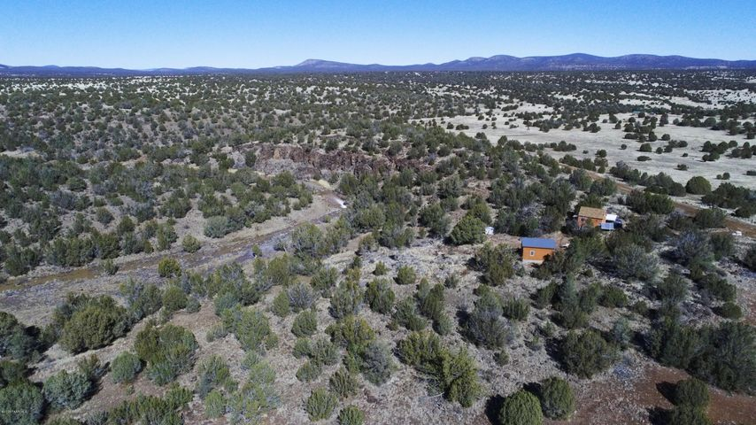 38875 W Muddy Creek Trail, Seligman, AZ 86337
